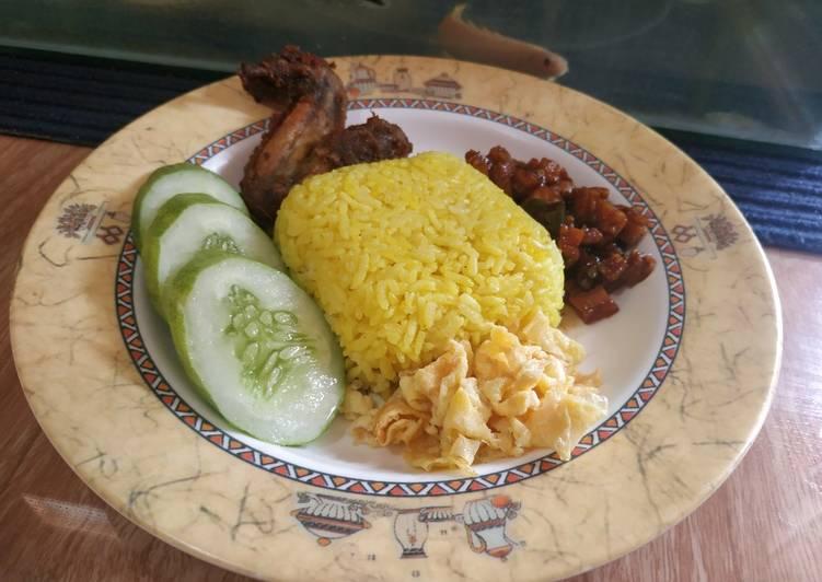 Nasi kuning magic com bybundabi