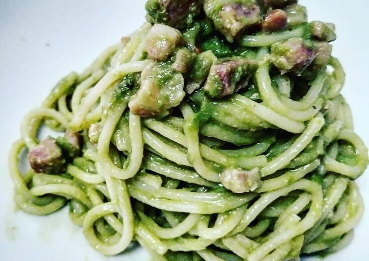 Spaghetti con crema di Fave e Pancetta
