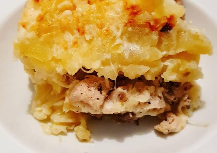 Gratin de pomme de terre, poulet et champignon