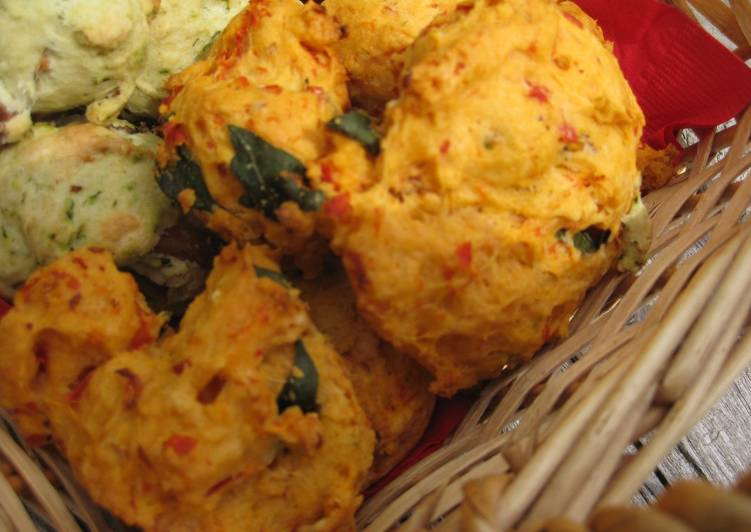 Tomato & Basil Hot Biscuit (Scone)