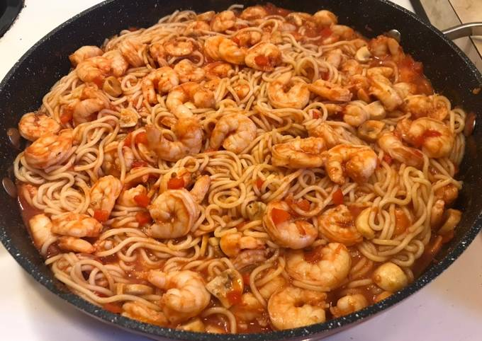 Recipe: Appetizing Shrimp Tomato Pepper pasta