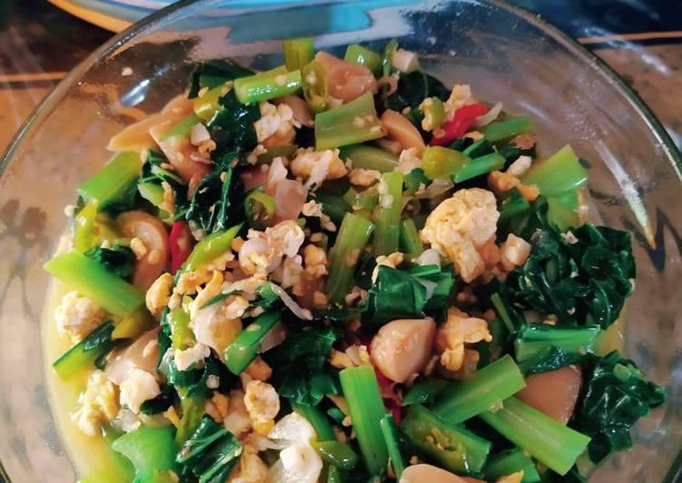 Tumis pedas sawi hijau, telur + sosis