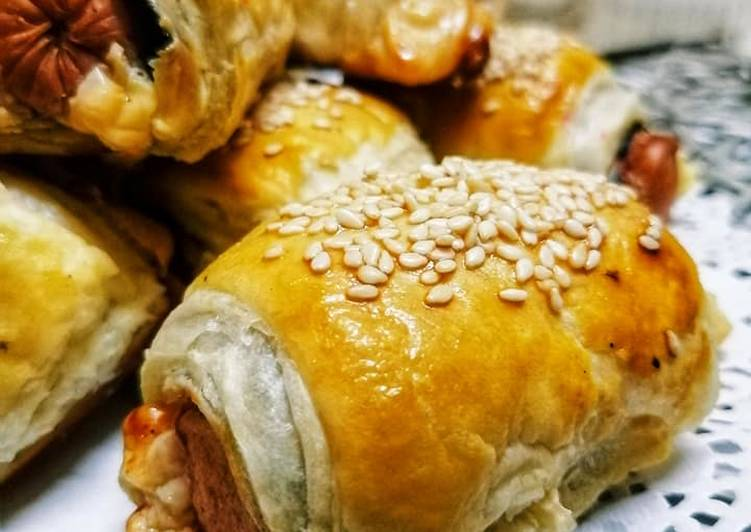 Puff Pastry Seaweed Sausage Roll Spicy