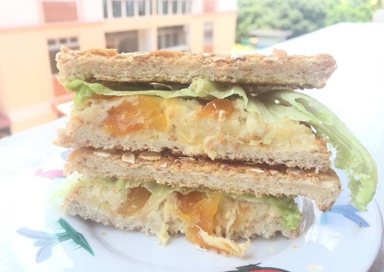 Easiest Way to Make Appetizing Durian And Dried Apricot Sandwich
