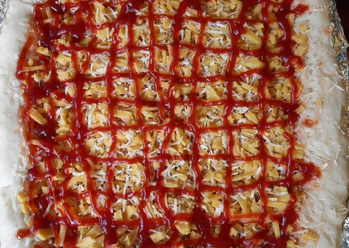 Menu Anak: Pizza Bakso Wortel