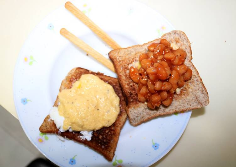 Toast with Eggs Benedict and Baked Beans