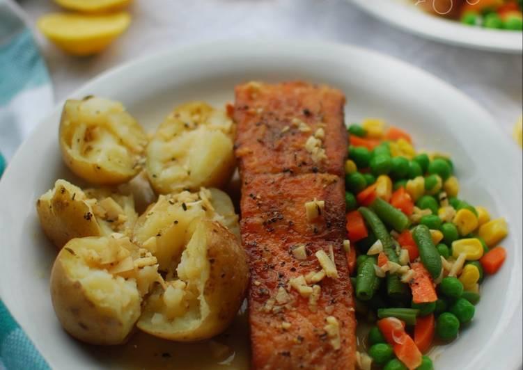 Steak Ikan Salmon Saus Butter Lemon