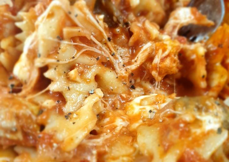Home made tomato and garlic pasta