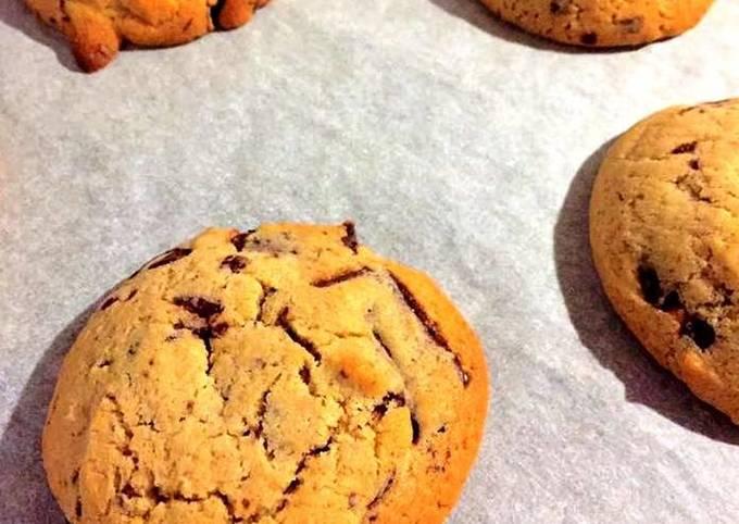 Vegan Gluten free Chocolate Chip Cookie