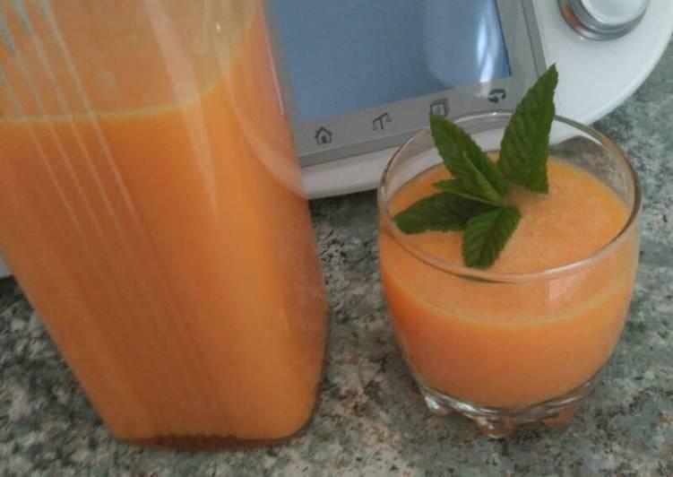 Zumo detox de naranja en thermomix