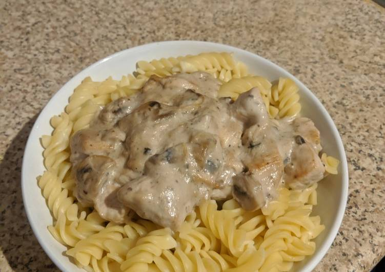 How to Prepare Quick Mushroom Chicken Pasta
