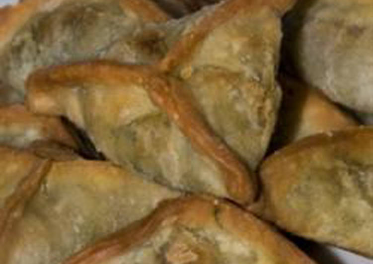 Spinach turnovers - fatayer bi sabanegh