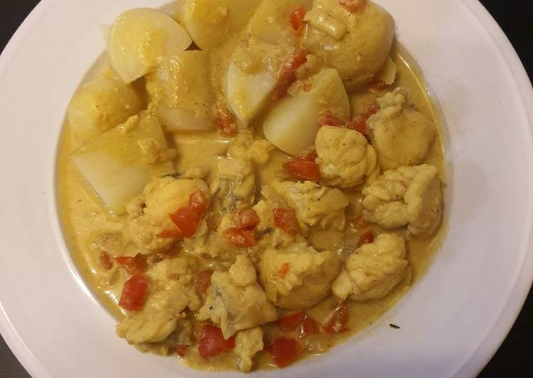 Lotte au curry et lait de coco