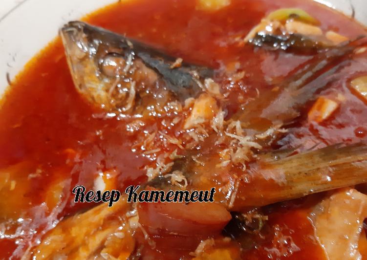 Ikan salmon asam manis