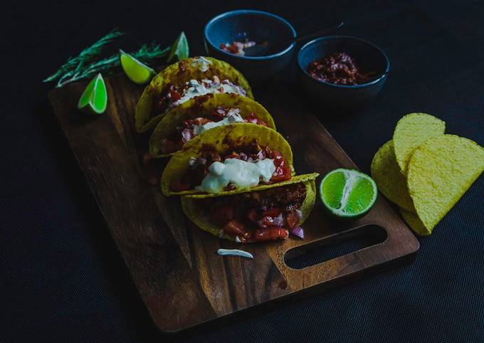 Chicken in Sweet Tomato sauce Tacos