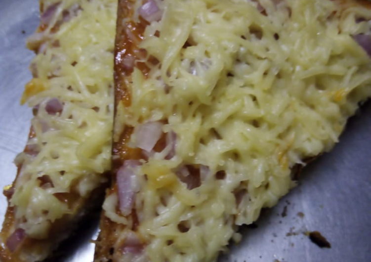 Simple Bread Pizza