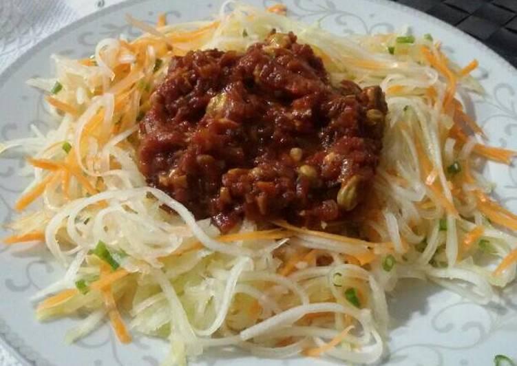 Espaguetis de calabacín y zanahorias