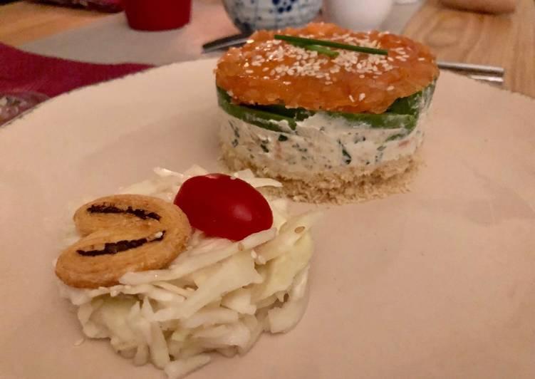Cheesecake Saumon Avocat & fromage frais à la ciboulette et échalotes