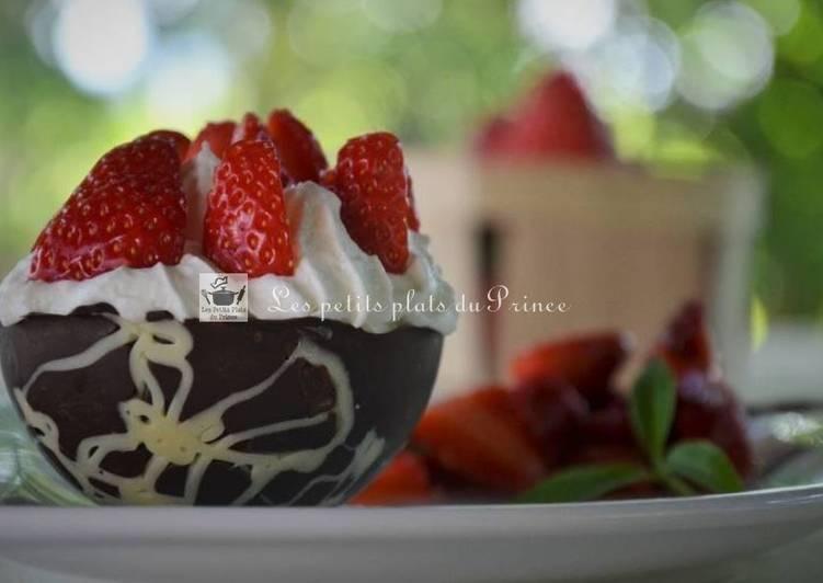 Comment Préparer Des Coque 2 chocolat et fraises chantilly
