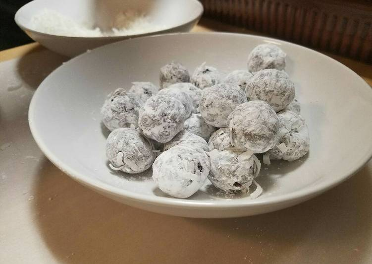 Recipe: Appetizing Josiah's Magic Chocolate Coconut Rum Balls