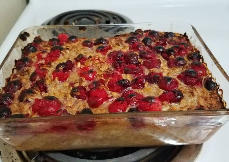 Recipe of Quick Cranberry Baked Oatmeal