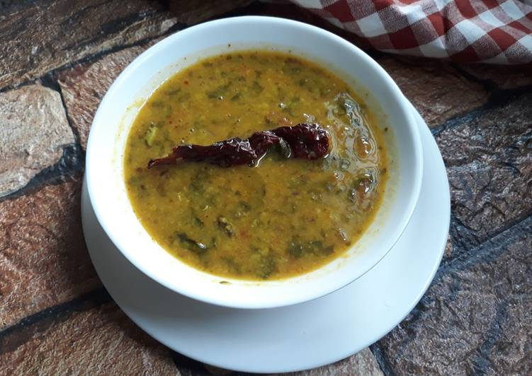 Simple Way to Make Perfect Radish Greens Dal| Mooli ke pattewali dal