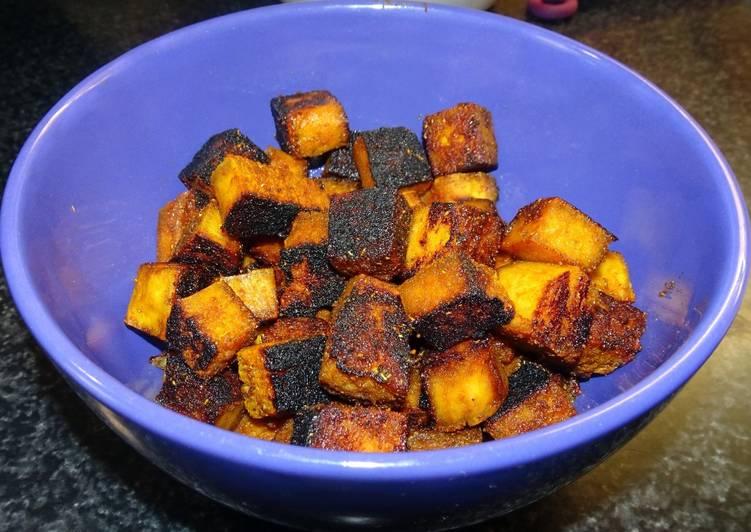 Croûtons de tofu grillés, épicés, caramélisés (vegan)