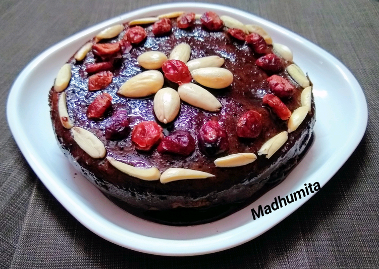 Recipe of Favorite Frosty Chocolate Cake with Toppings
