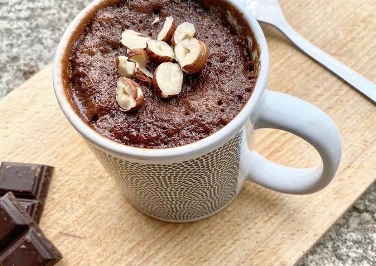 recette MUG CAKE BANANE-CHOCOLAT délicieux
