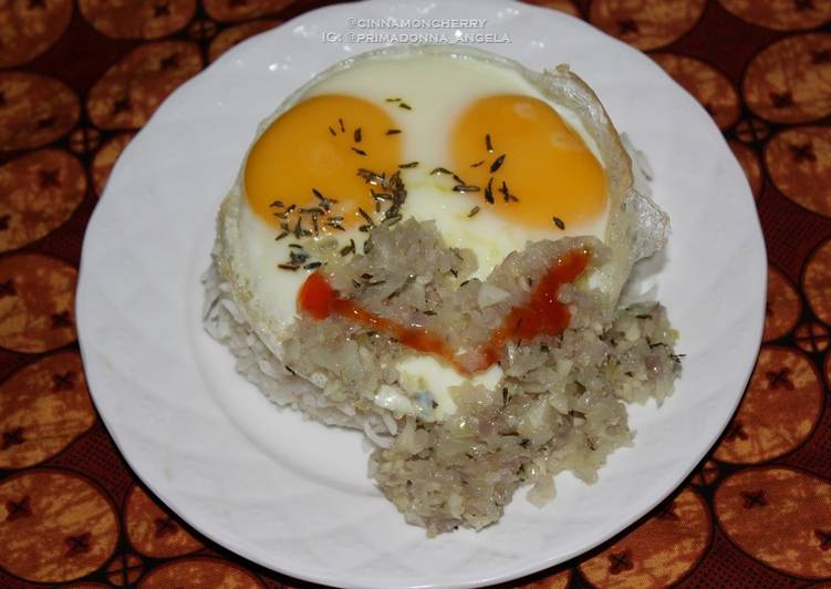 Egg and Onion Mince