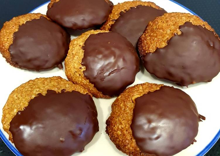 Cookies de avena con jengibre y chocolate puro
