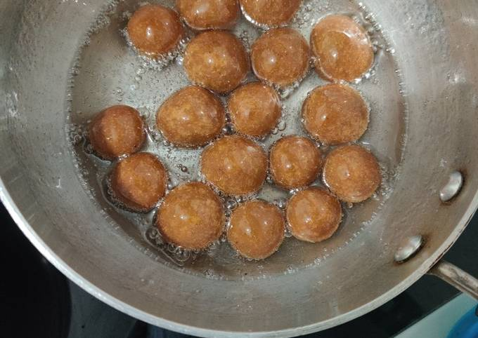 How to Prepare Appetizing Gulab Jamun