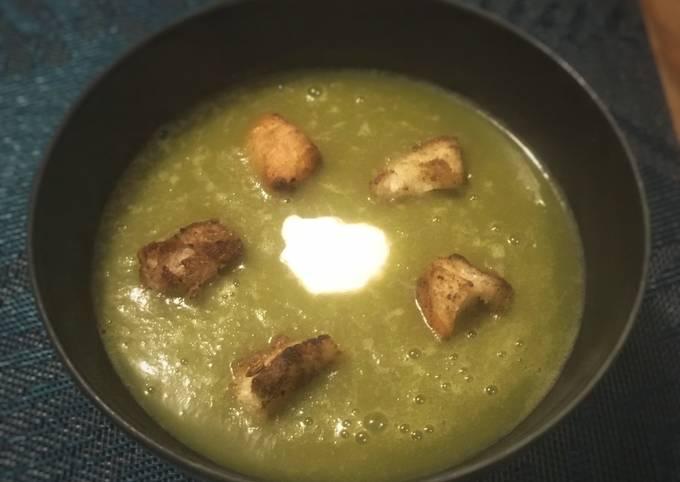 Soupe poireau fenouil aux croûtons