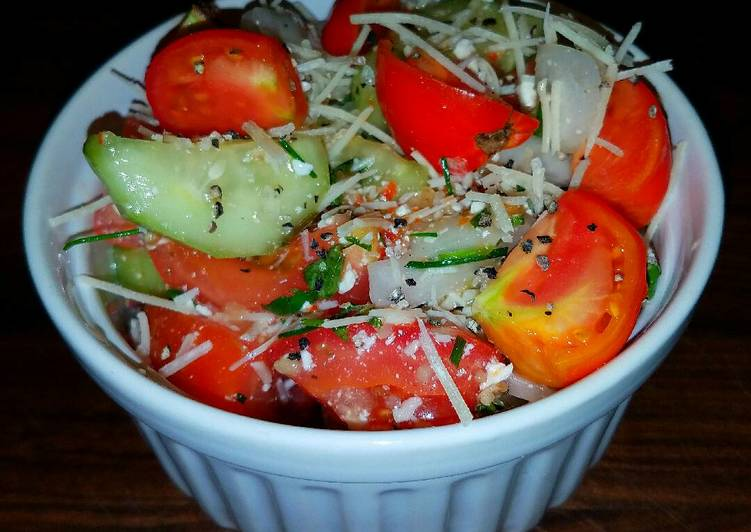 Mike's 5 Minute Tangy Chilled Salad