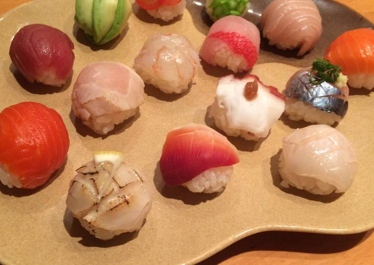 """Temari-Sushi"" Ball-shaped Sushi"