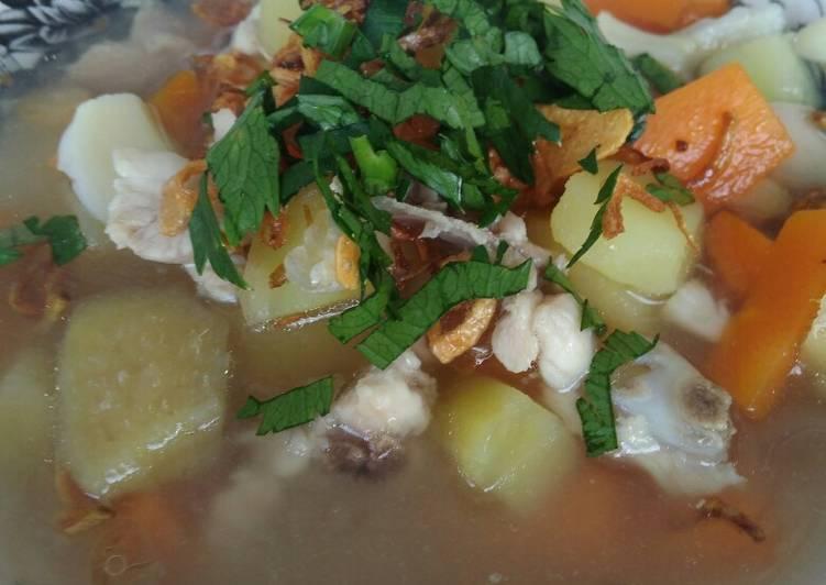 Soto ayam kentang wortel