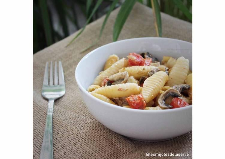 Pâtes sauce champignons et tomates