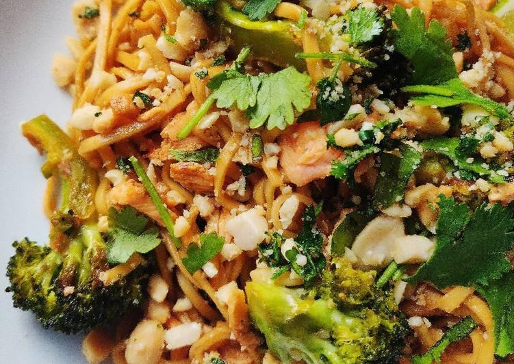 The Best Dinner Ideas Quick Sticky Salmon & Broccoli Stir-fry