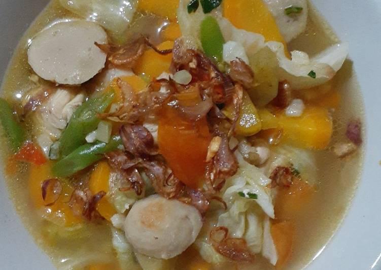 Sop Ayam + Bakso Sosis