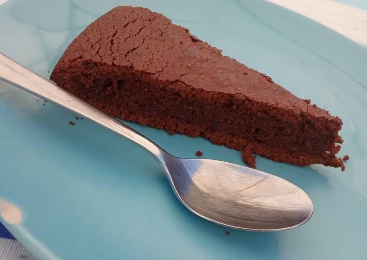 Comment Servir Gâteau au chocolat et amandes🍫