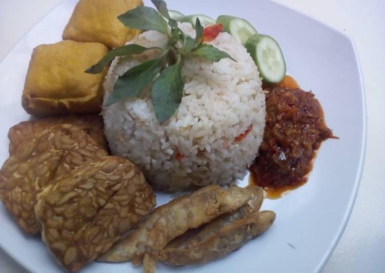 Nasi Liwet Rice Cooker ala AV Kitchen