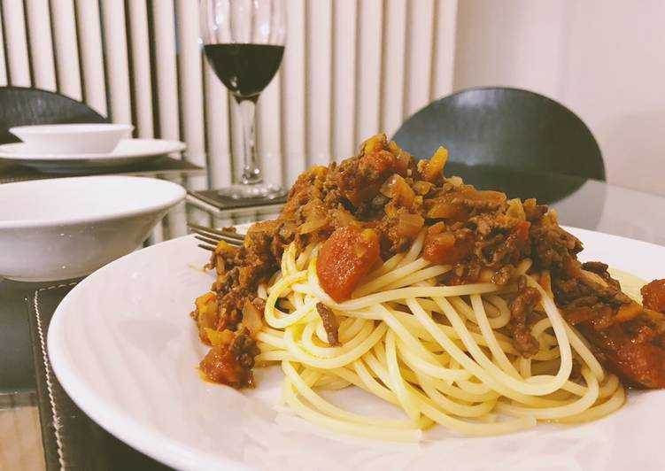 Easy and simple Bolognese