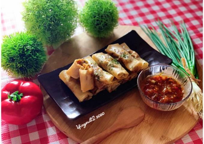 Spicy Chicken Spring Roll + Saus Ketumbar Spesial (ala saya) 🤩👩🏻🍳