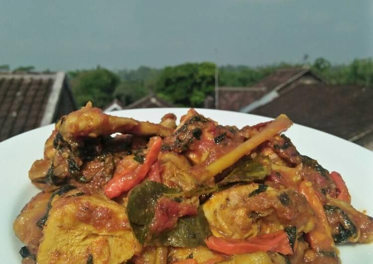 Ayam Woku Kemangi Pedas