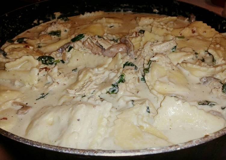 Chicken & Ravioli Alfredo