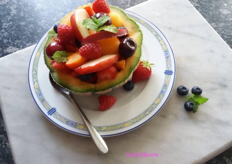 Salade acidulée de melon et fruits rouges