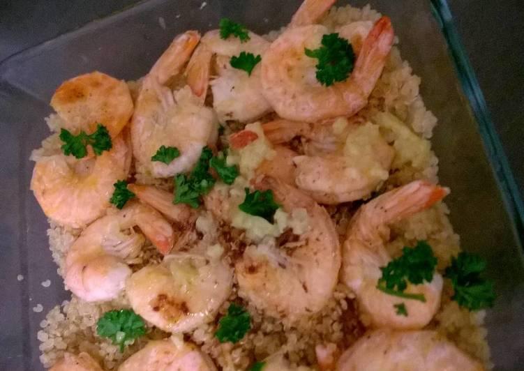 Crevettes au quinoa et beurre à l'ail