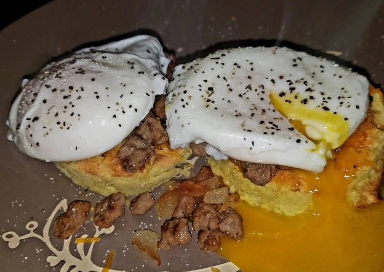 Recipe: Yummy Low-carb Almond Flour Bread with Poached eggs & Turkey Sausage