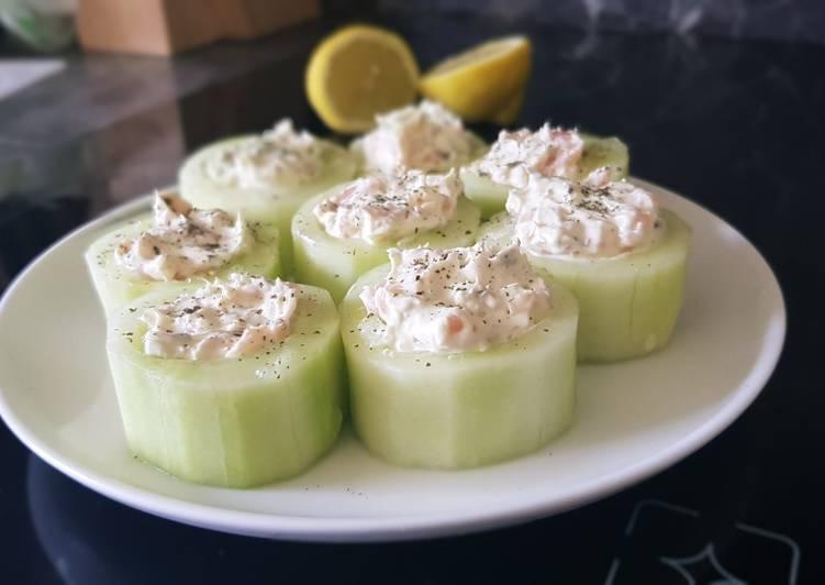 25• Recette Apéro N°2 : Toast de concombre au fromage frais saumon