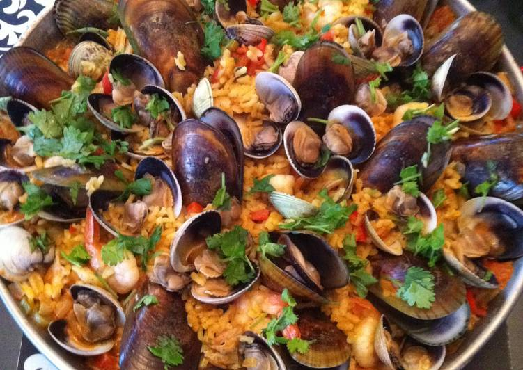 Recipe of Quick Spicy Seafood Paella